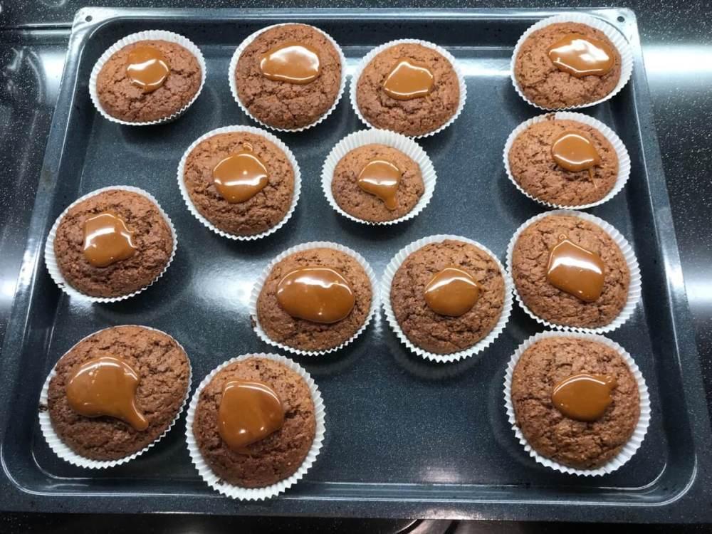 Schokoladenmuffins mit Caramel