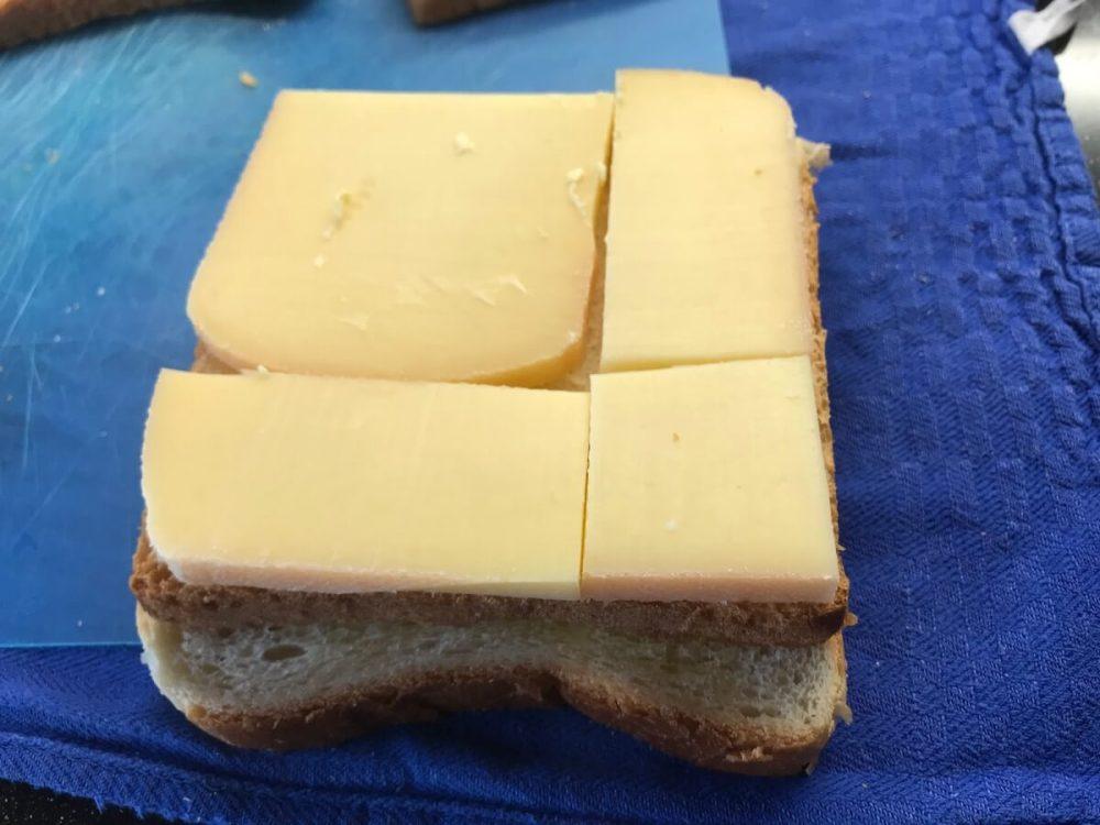 Toastbrot mit Raclette