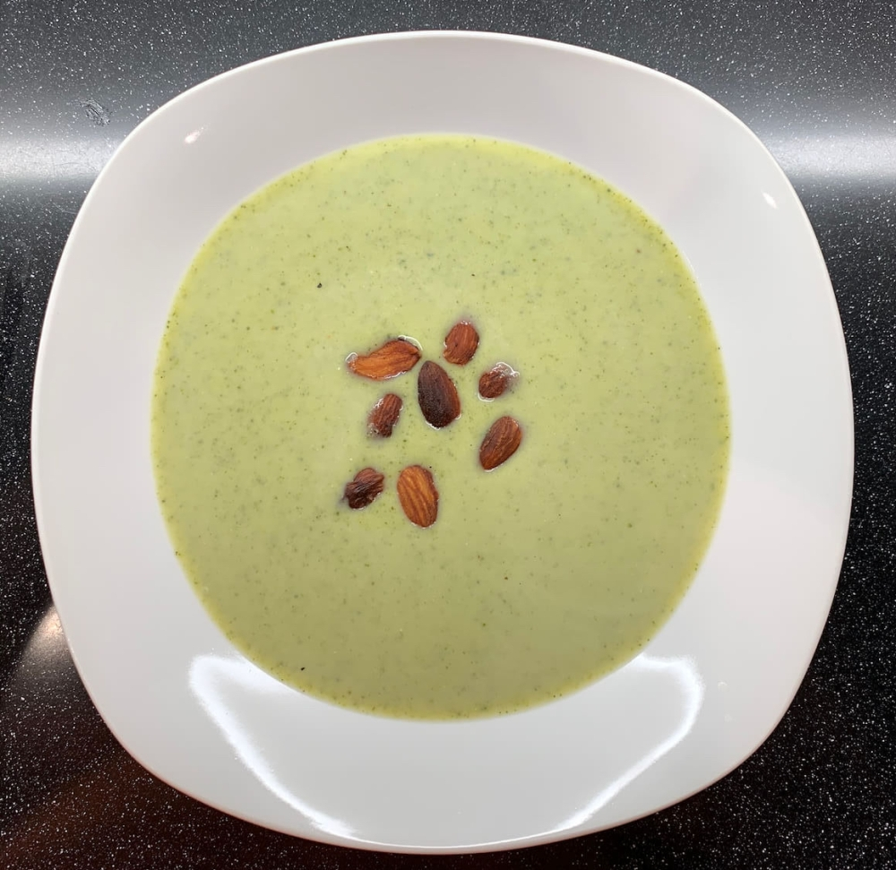 Brokkoli Mandel Suppe